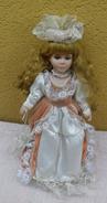 Bambola In Porcellana Con Ombrello - - Bambole