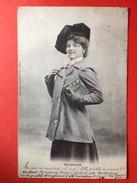 MODE 1909 - ETUDIANTE - FILLE AVEC CIGARETTE - MEISJE MET SIGARET - Vrouwen