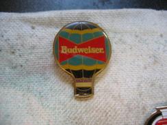 Pin's Mongolfiere Avec Pub De La Biere BUDWEISER - Fesselballons