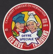 Etiquette De Fromage Camembert  -  Les Deux Falaisiens  - Offre Spéciale  -  Clécy  (14 AB) - Fromage