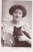 ACTRESS  - ISABEL JAY WITH CAT - Teatro