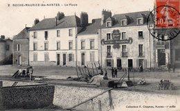 Loire-Atlantique : Roche-Maurice Les Nantes : La Place - Other Municipalities