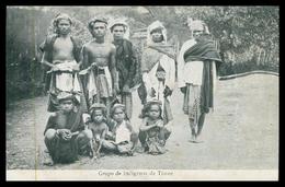 TIMOR - Grupo De Indigenas De Timor.   Carte Postale - Timor Orientale