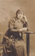 Postkaart, Fotokaart, Poserende Dame (pk31843) - Autres