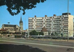 42 - Roanne : Le Carrefour Vichy-Clermont - L'Eglise N.D. Des Victoires - Roanne