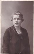 Postkaart, Fotokaart, Poserende Dame,  (pk31868) - Autres