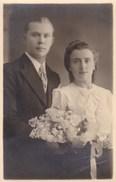 Postkaart, Fotokaart, Poserend Koppel, Huwelijksfoto ?,  (pk31869) - Couples