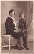 Postkaart, Fotokaart, Portretfoto Van Moeder Met Dochter (pk31878) - Couples