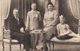 Postkaart, Fotokaart, Familiefoto Met Kindje (pk31880) - Couples