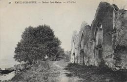 94)   VAUX  Sur  SEINE - Devant Port Mabon - France