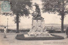 G , 28 , CHÂTEAUDUN , Monument De La Défense - Chateaudun