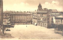 Avignon : Place Du Palais Des Papes Et Ancien Hôtel Des Monnaies - Avignon