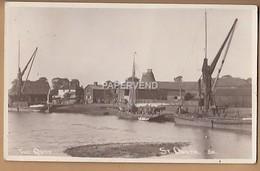 Essex  ST OSYTH The Quay Sailing Barges  RP  E1892 - England
