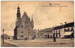 Herenthals. Herentals. Hôtel De Ville Et Monument De La Guerre Des Paygans. **** - Herentals