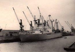 Photo Originale Navire - Paquebot LE NAUMBURG à Quai Et Grues Portuaires - Boats