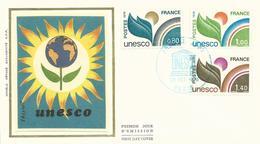 """N° S50-52 (année 1976) Enveloppe Sur Soie-cachet Premier Jour-""""U.N.E.S.C.O.""""-parfait état - Officials"""