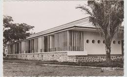 BRAZZAVILLE (CONGO) - LE RELAIS HOTEL - UN BUNGALOW - Brazzaville