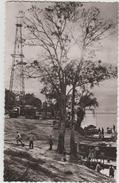 GABON - DERRICK O.U.5 DE LA SOCIETE DES PETROLES A.E.F AU BORD DE L'OUBANGUI - Gabon
