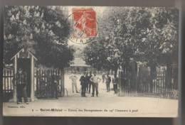 SAINT MIHIEL - 1911 - Entrée Des Baraquements Du Régiment Du 19ème Chasseurs à Pied - Animée - Reggimenti