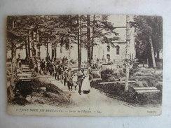 SCENES ET TYPES - Une Noce En Bretagne - Sortie De L'église - Noces