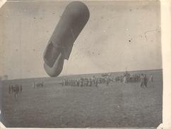 Photo Ancienne Originale Préparation Lancement Saucisse Ballon D'observation Aérienne     1914 1918 Ww1 Grande Guerre - Guerre, Militaire