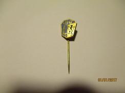 SC L , SOCCER FOOTBALL ?  PIN  BADGE , 0 - Pin's & Anstecknadeln
