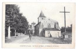 AVANTON - Le Chevet De L'Eglise, Le Château Et Le Calvaire - France