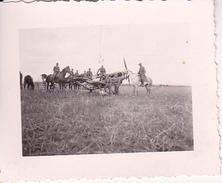 Foto Deutsche Soldaten Zu Pferd Mit Flugzeug - 2. WK - 5,5*4cm (26609) - War, Military