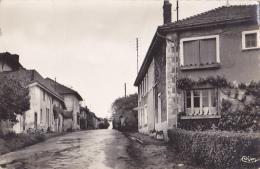 Beaupont - Rue Principale - Circulé 1957 - Non Classés