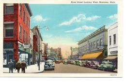 MANISTEE, Michigan, USA, River Street Looking West, Old Linen Postcard - Etats-Unis