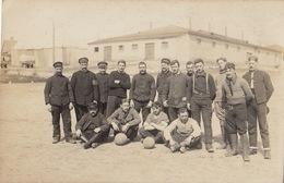Photo CP Prisonniers De Guerre 5èm Compagnie Kraftpflug Allemagne Pour Avesnes Nord Pays Occupé - Guerre, Militaire