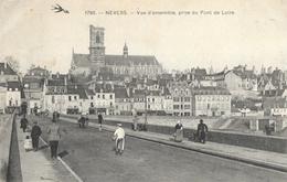 Nevers - Vue D'ensemble Prise Du Pont De La Loire, Petite Animation - Carte L'Hirondelle N° 1790 - Nevers