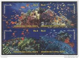 PAKISTAN MNH 2012 WETLANDS ARABIAN SEA CORAL REEFS SE-TENANT WATER FISH FISHES ANIMAL PLANT PLANTS - Pesci
