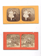 Lot De 2 Cartes Stéréoscopiques : Scènes Familiales, Petite Fille Sur Balançoire - Stereoscopische Kaarten