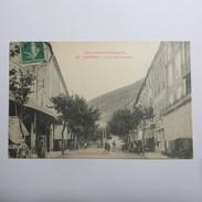 04 - SISTERON  - La Rue De Provence - Sisteron