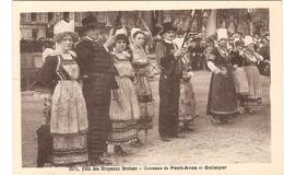 CPA Fête Des Drapeaux Bretons  Costumes De Quimper Et Pont Aven Régionalisme Folklore  29 Finistère - Quimper