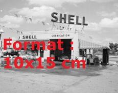 Reproduction D'une Photographie D'une Station Service Shell Lubrication - Reproductions