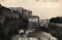 BREST -29- LE DONJON ET LES FOSSES DU CHATEAU - Brest