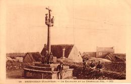 BRIGNOGAN -29- LE CALVAIRE ET LA CHAPELLE POL - Brignogan-Plage