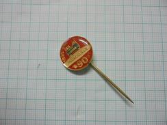 Karosa 90 Years Czechoslovakia Autobus Bus Vehicle Pin Badge 01 - Trasporti