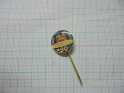 Karosa 90 Years Czechoslovakia Autobus Bus Vehicle Pin Badge 02 - Trasporti