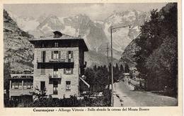 Courmayeur (Aosta) Albergo Vittoria, Sullo Sfondo Monte Bianco - Italien