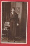 Carte Photo Femme Au Début Du Siècle - Silhouetkaarten