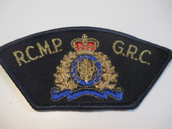 Écusson Tissu Ancien / Canada/ Québec/Gendarmerie/RCMP GRC/ Gendarmerie Royale Canada/Années 1980            ET98 - Patches