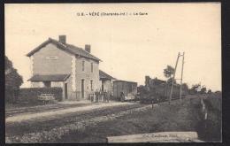 CPA 17 Néré La Gare Et Le Train Tramway Ligne De Saint Jean D'Angely à Saint Saviol - Altri Comuni
