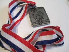 Médaille/ New-York City Marathon '83/New York/ Road Runners Club/  Participation/ 1983            SPO 104 - Deportes