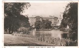 CPSM -  ENGLAND -LONDON - Buckingham Palace  From St James's Park  -  1948 . - Buckingham Palace