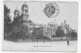LILLE EN 1906 - PALAIS RAMEAU AVEC PERSONNAGES - PLI ANGLE BAS A GAUCHE ET USURE BORDS - CPA VOYAGEE - Lille