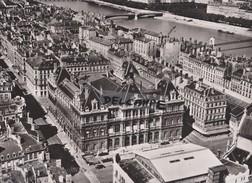 PHOTO AERIENNE RARE,PAR LAPIE SERVICE AERIEN,AOUT 1956,RHONE,LE GRAND LYON,PALAIS DE LA BOURSE,RUE DE LA REPUBLIQUE - Places