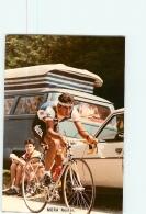 Nestor MORA . 2 Scans. Lire Descriptif.  Cyclisme. Café De Colombia - Radsport